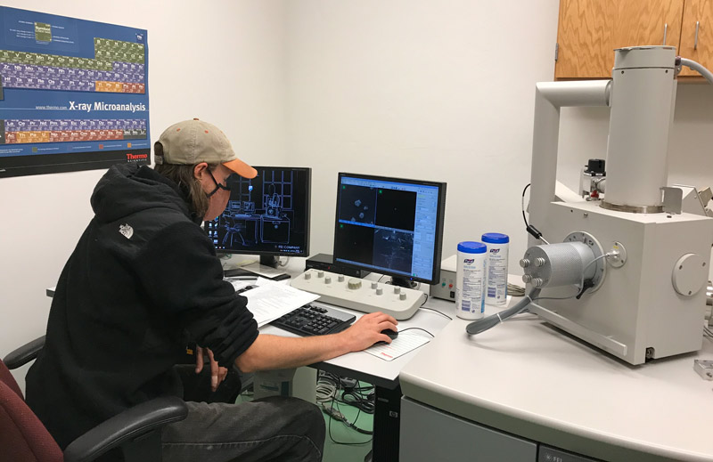 Student at the Scanning Electron Microscope